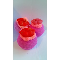 Luscious Lips Bath Bomb